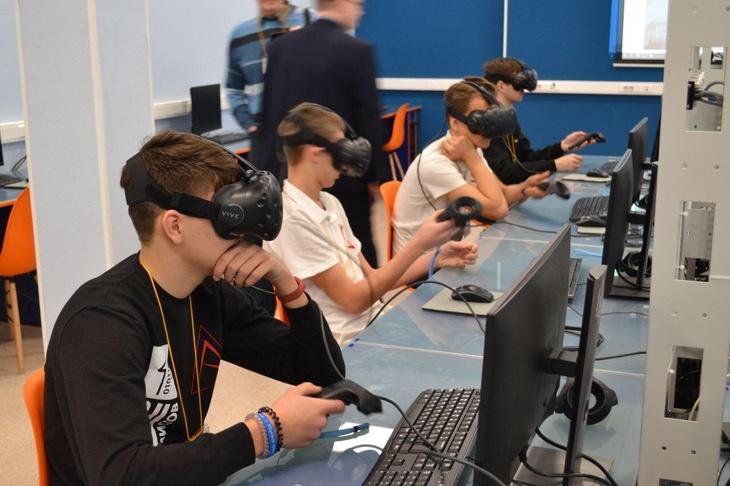 Более 300 школьников приняли участие в отборочной сессии Российского чемпионата проекта «Воздушно-инженерная школа» в Королёве