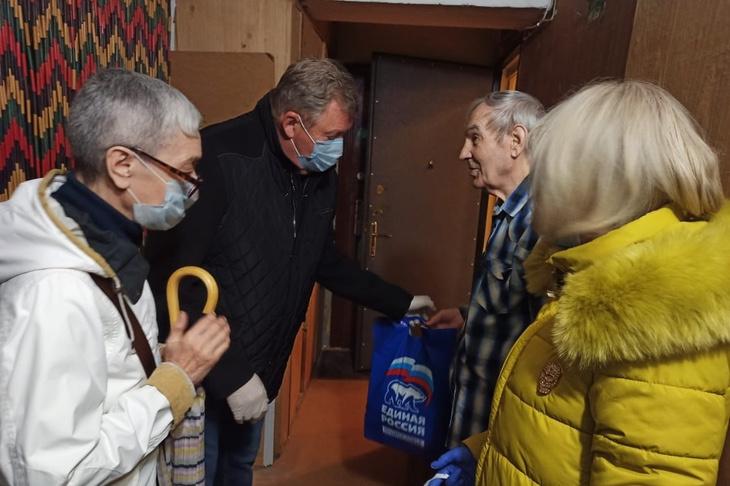 Дмитрий Денисов: «Мы должны помочь пожилым людям соблюдать самоизоляцию»