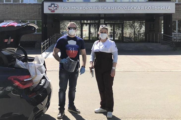 Более 300 защитных экранов для медперсонала передали в Королёвскую горбольницу