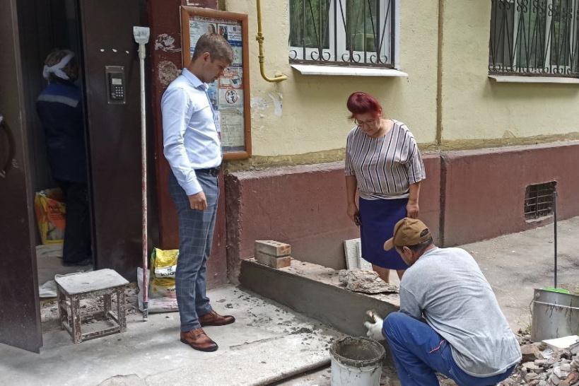 Ремонт подъездов в пятиэтажке на Садовой выполняется качественно и в срок