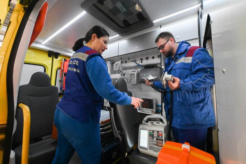 Более 3,5 тыс. консультаций провели сотрудники кардиопульта на областной станции скорой помощи за месяц